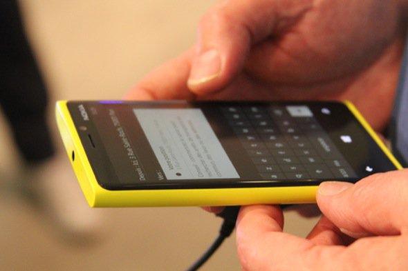 Les smartphones Nokia Lumia 920 et 820 débarquent en France