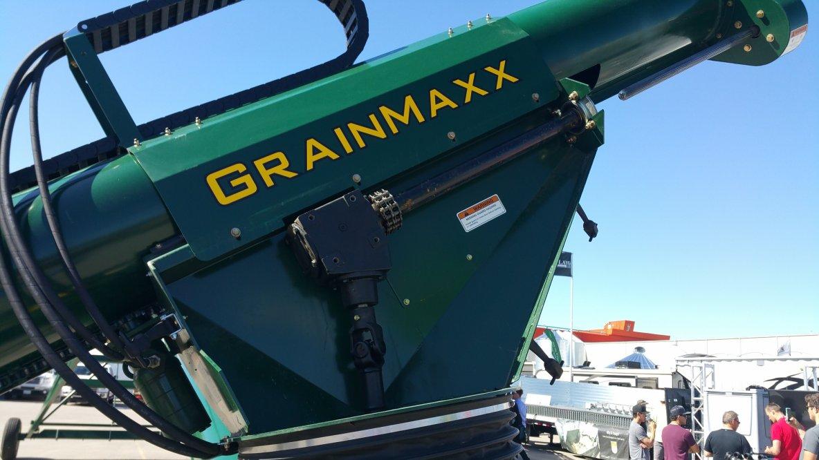 Portable grain auger