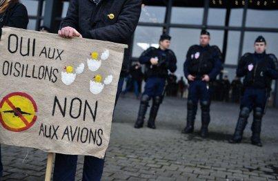 04-11-2016 - Notre-Dame-des-Landes: vers une annulation des travaux ?  Nouveau round entre opposants et État ce lundi, devant la cour administrative d'appel de Nantes.