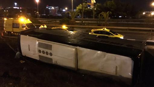14-09-2016 - Barcelone - Espagne - Un car transportant des touristes s'est renvers� dans la nuit � Barcelone (nord-ouest de l'Espagne), blessant 24 personnes dont trois gravement.