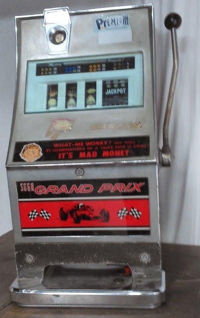 Machine a sous dite bandit manchot jackpot casino ancien bar bistrot loft vin - Objet ancien insolite ...
