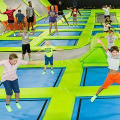 Centres de trampoline�: des taux de blessures comparables au ski alpin