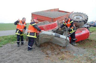 Doudeville : un tracteur perd une roue | Paris Normandie