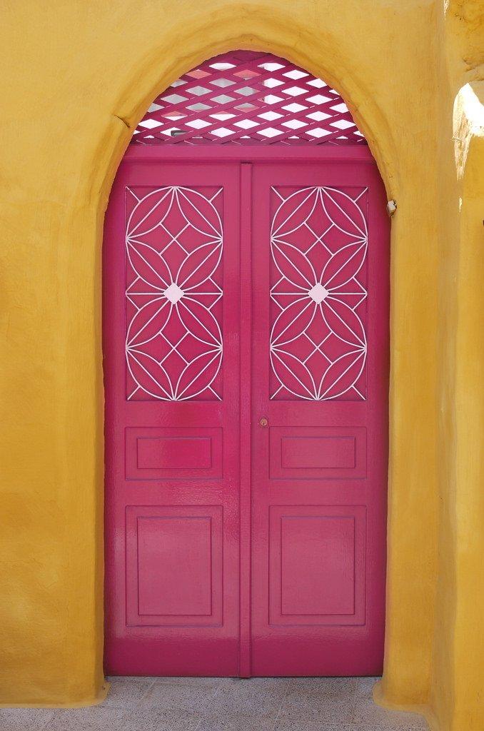 Pink Door, Symi
