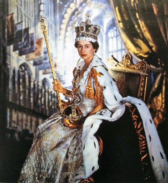 STAR PEOPLE CROWN: BIOGRAPHIES : QUEEN ELIZABETH II