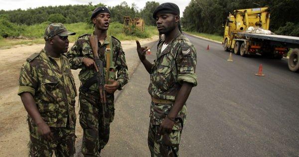 les séparatistes de Cabinda affirment avoir tué 30 soldats En savoir plus sur http://www.lemonde.fr/afrique/article/2016/03/23/en-angola-les-separatistes-de-cabinda-affirment-avoir-tue-30-soldats_4888786_3212.html#1vrWtJIDx4EUr4sA.99