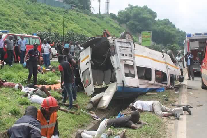 10-06-2016 - Cote d'Ivoire - Un accident de mini car � fait 20 bless�s hier au plateau