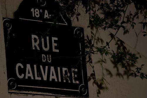 Rue Du Calvaire à Montmartre.