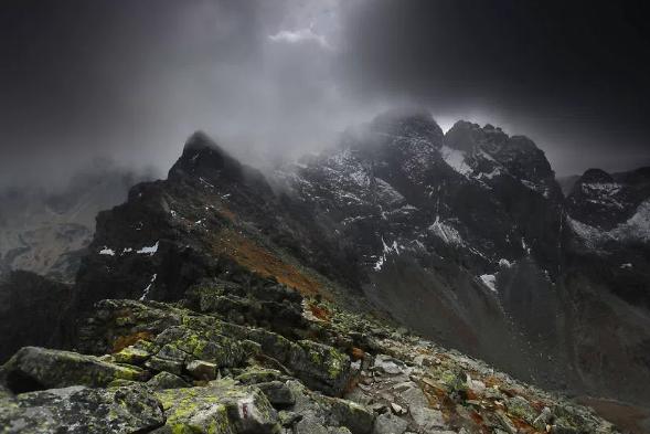 Chemin des aigles montagnes des Tatras