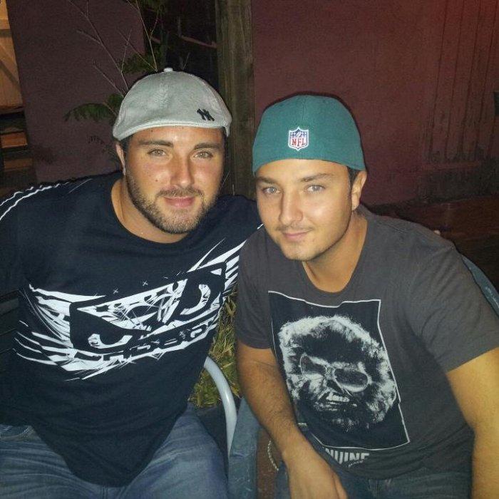 Moi (à gauche) et mon cousin