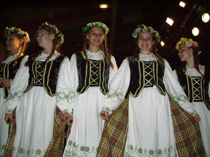 Ensemble Pynimelis (Lituanie), Pont-De-Salars, le 11 août.