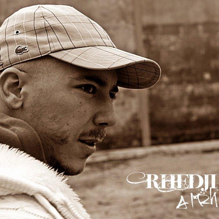 Album A L'RH dans les bacs