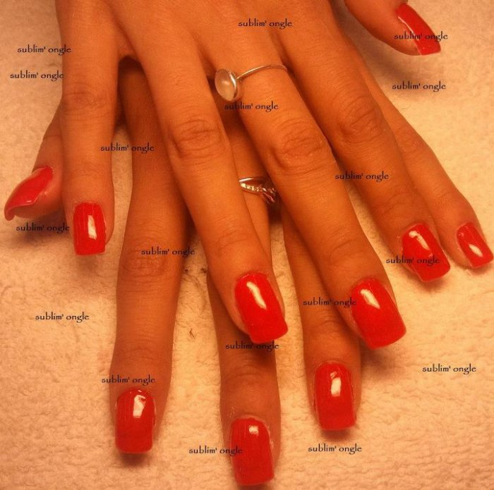 """pose complète gel simple avec les produits """" all season nails """" ,  et  vernis rouge """" O.P. I """" ."""