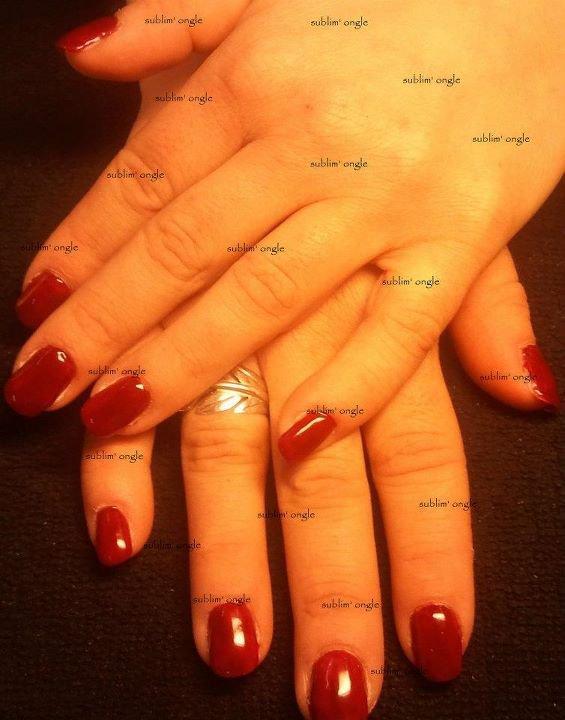 """pose complète gel simple avec les produit """" all season nails """" et vernis rouge """" elf """" ."""