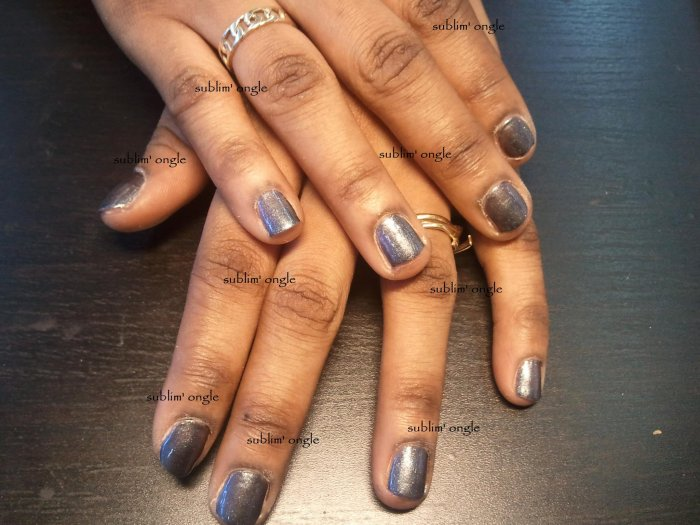 """Pose de vernis permanent """" nail and co """" ."""