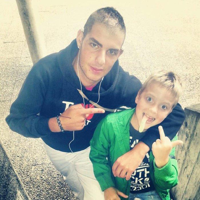Moi&Leon  # le boss junior#