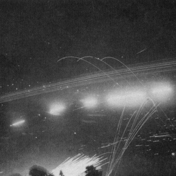 Défense des cote Anglaise tire sur les bombes volantes V1