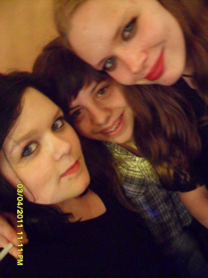 Moi , Kim et Megane :)