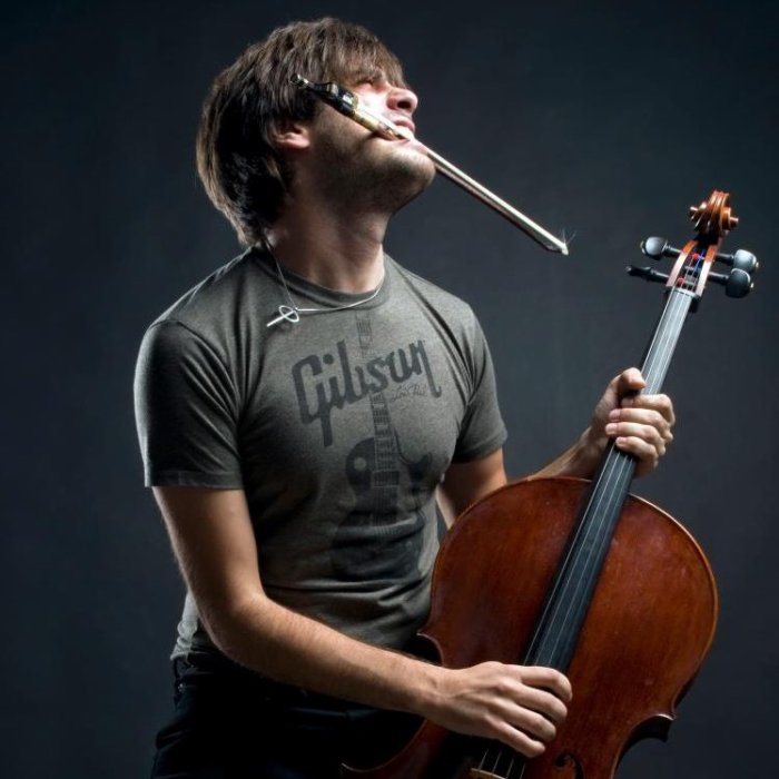 "Stjepan Hauser, violoncelliste du duo ""2Cellos"""