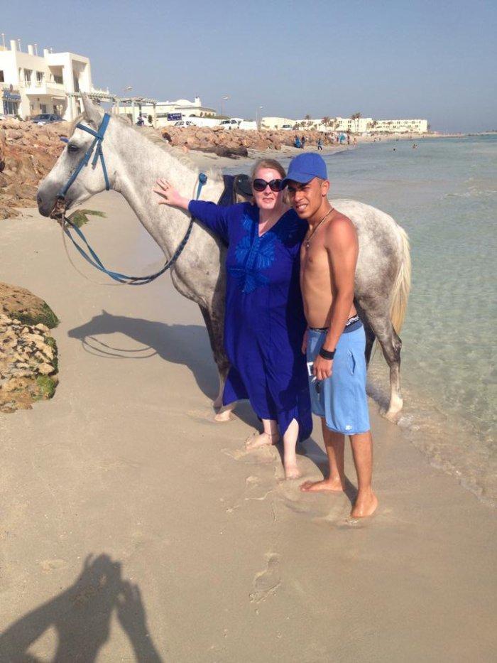 cousin Haithem et moi a la plage de Djerba