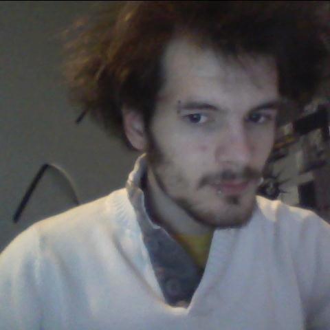 pour changer avec la barbe et oui je reste dingue :)