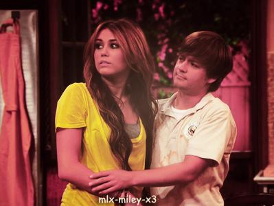 Miley Stewart et Jason ♥