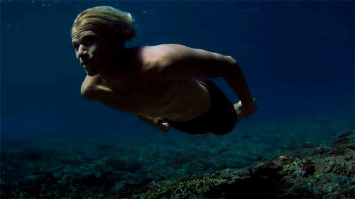 JOHN JOHN FLORENCE sous l'eau !
