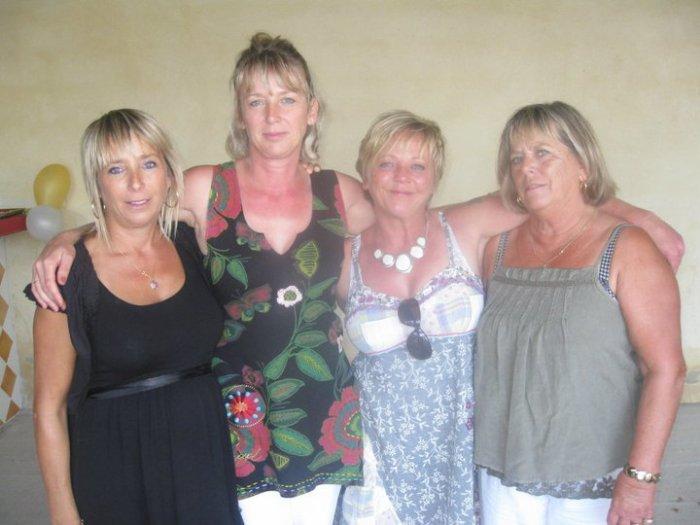 Tatie Sylvie , Tatie Yvette , Tatie Christine et Mamie
