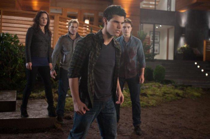 Esmée, Carlisle, Jacob et Edward