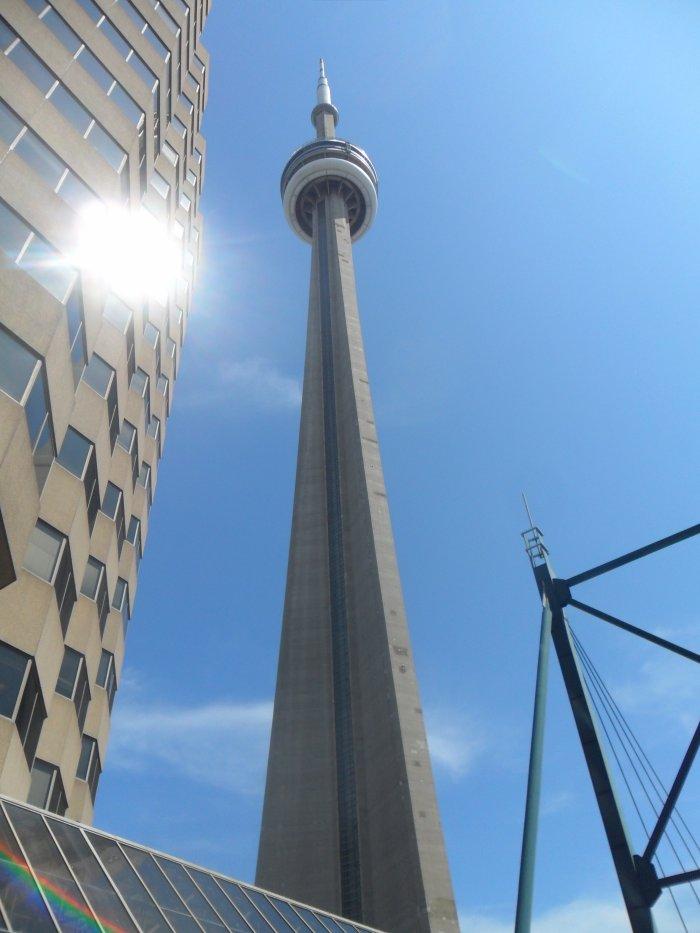 La tour cu CN