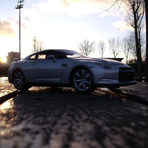 Ma petite Nissan GTR au coucher de soleil...
