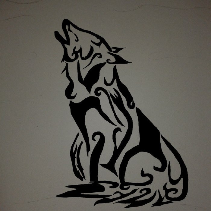 Loup tribale fait maison (Au crayon puis sur Paint)