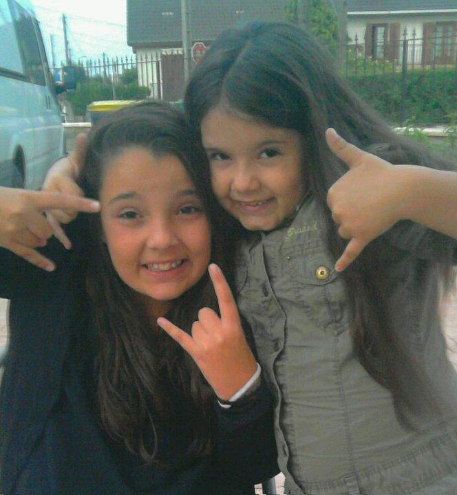 Mes Soeurs : Ines & Taniia :P