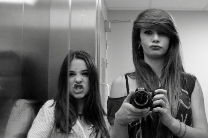 in the lift :3
