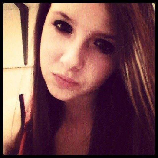 L'amour c'est comme la drogue fauf que l'amour on en pleure et que la drogue on en meurt!!!