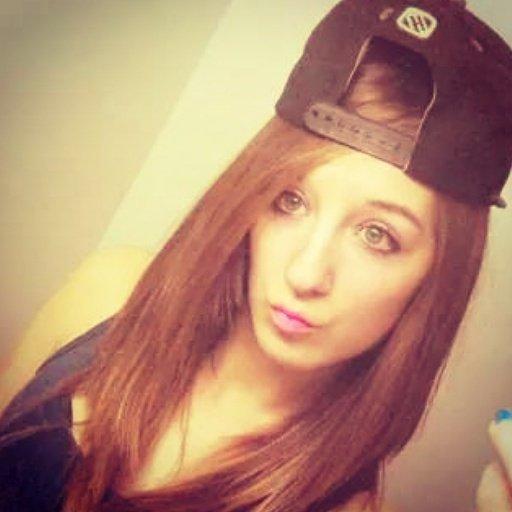 les fille aussi sa marche la casquette a l'envers ;)