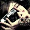 Profil de A-photograph-is-a-split