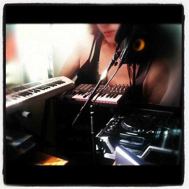 Miss Shine  - Studio