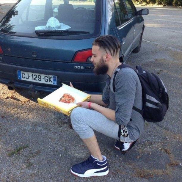 D'abord la Pizza le reste après ;)