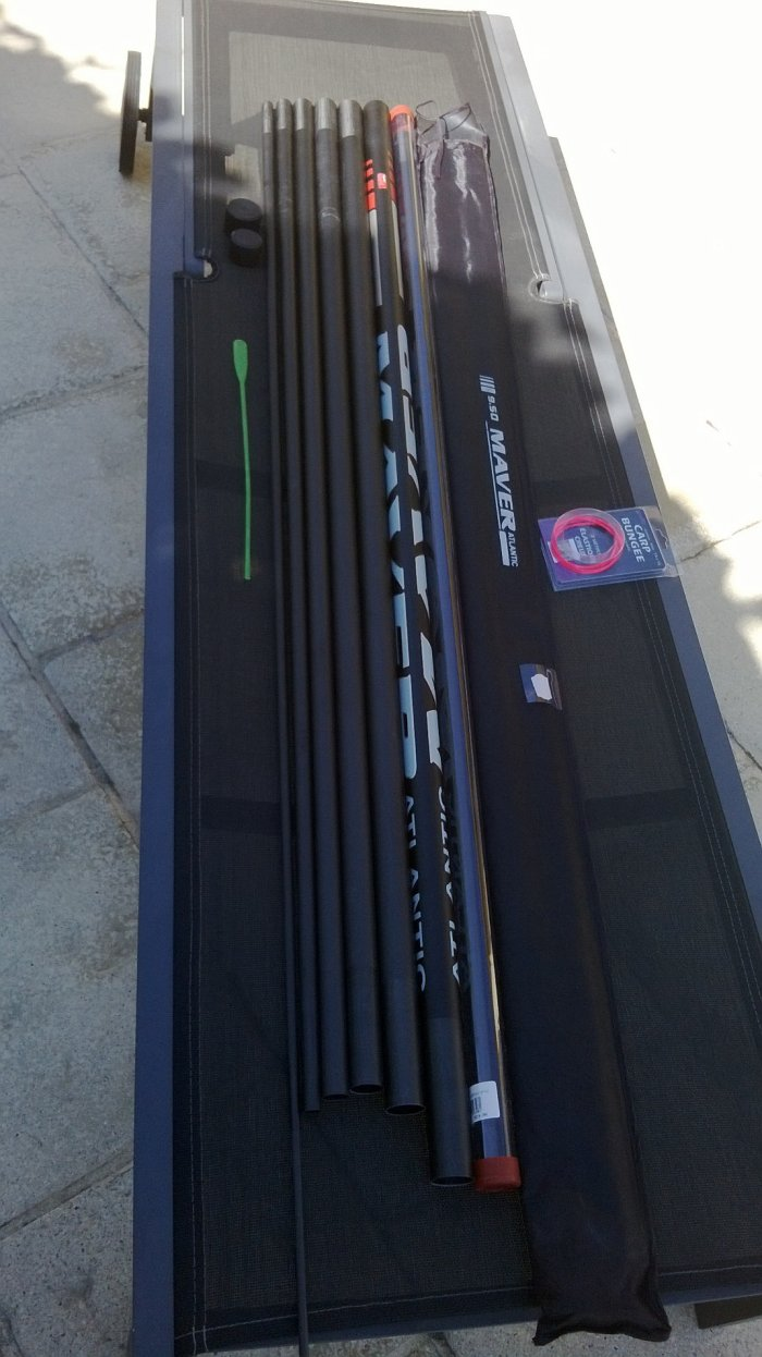 Ma nouvelle canne à l'élastique pour pêcher la carpe :-) (maver atlantic 9m50)