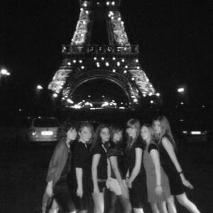 mes amis et moi en voyage à Paris