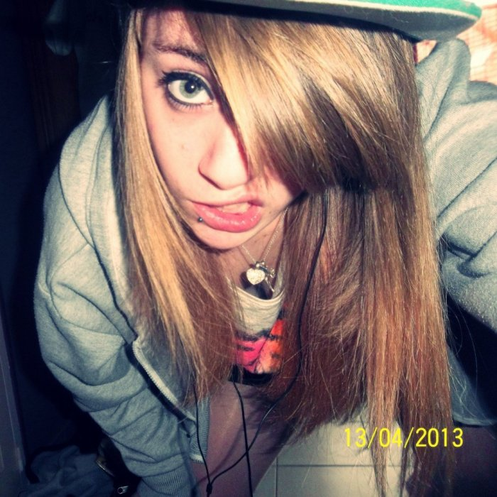 Tu connais mon nom pas ma vie. ♥