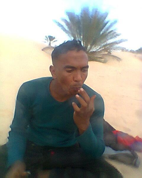 Anwar wa7id majnoun  fi sa7ra