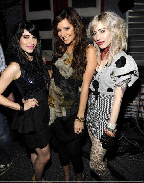 Ashley Tisdale et The Veronicas