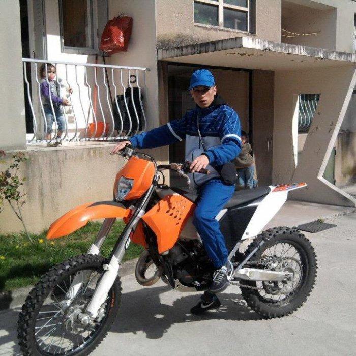 Moi en moto cross :)