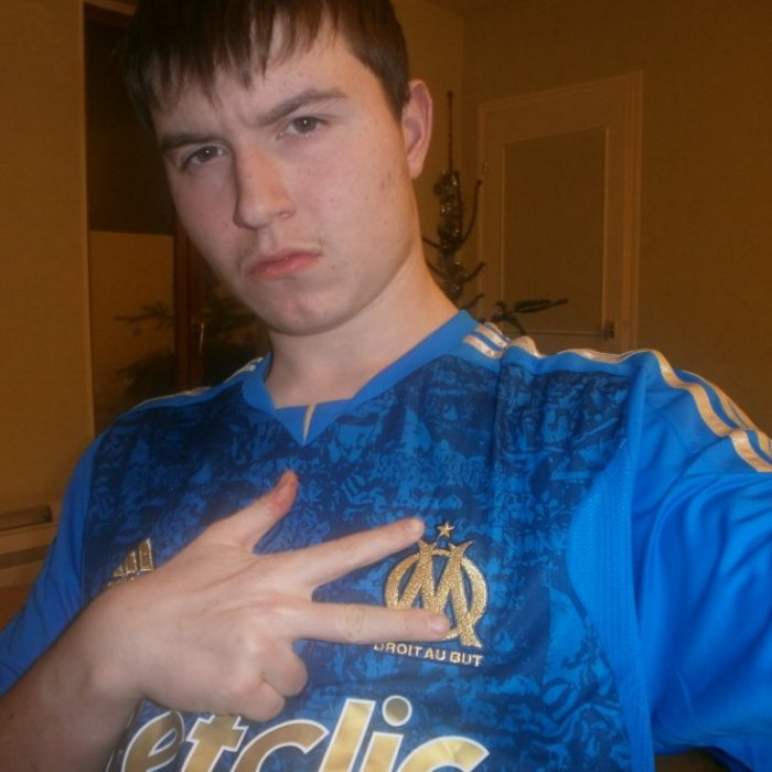 Moi avec mon maillot bleu de l'OM