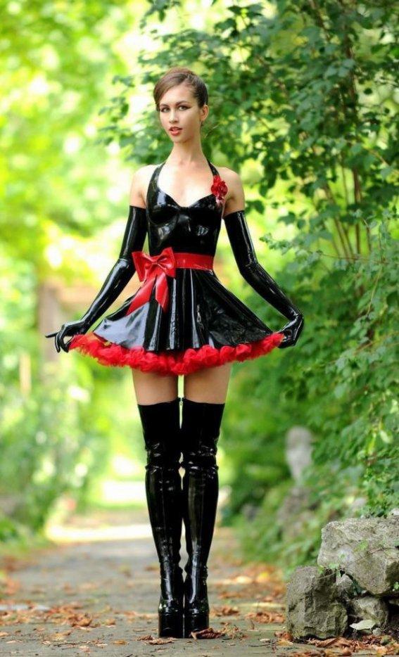 que penses-tu de ma nouvelle robe? ça le fait non ?