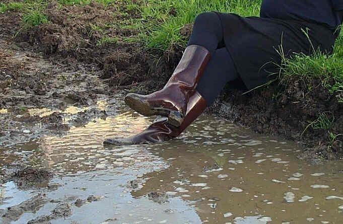 quand mes bottes sont sales, je les lave à l'eau sale !
