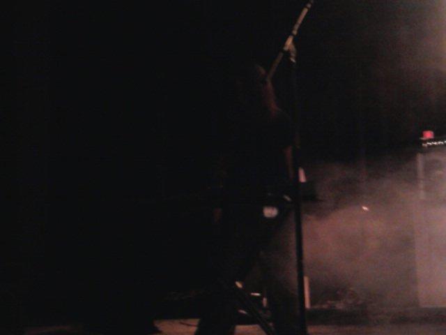 le bassiste de l'ombre X)