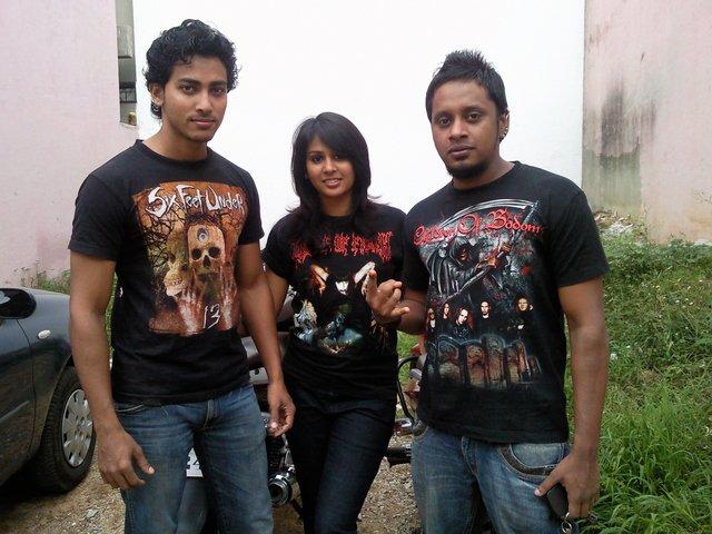 me N friends...\m/..